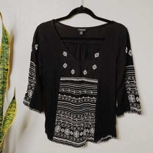 • LUCKY BRAND • black & white boho embroidered top